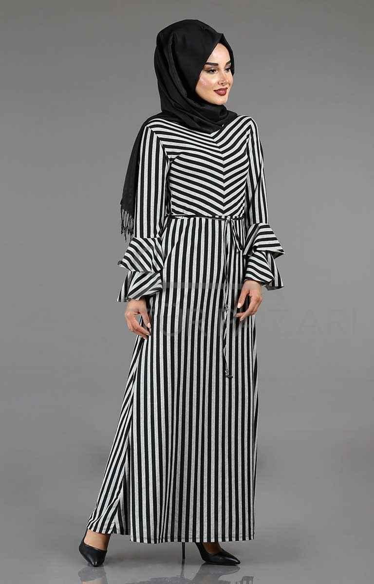 6ca0b7b2bab08 çizgili tesettür volan kol elbise modelleri - Moda Tesettür Giyim