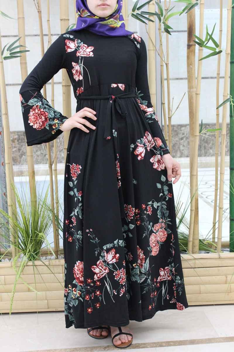 en şık ve güzel tesettür çiçekli elbise modelleri