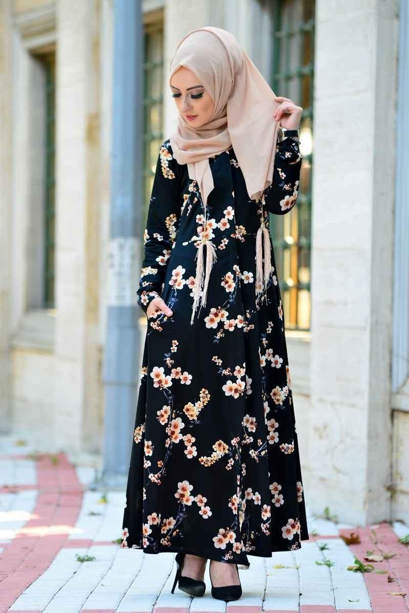 koyu renkli tesettür çiçekli elbise modelleri