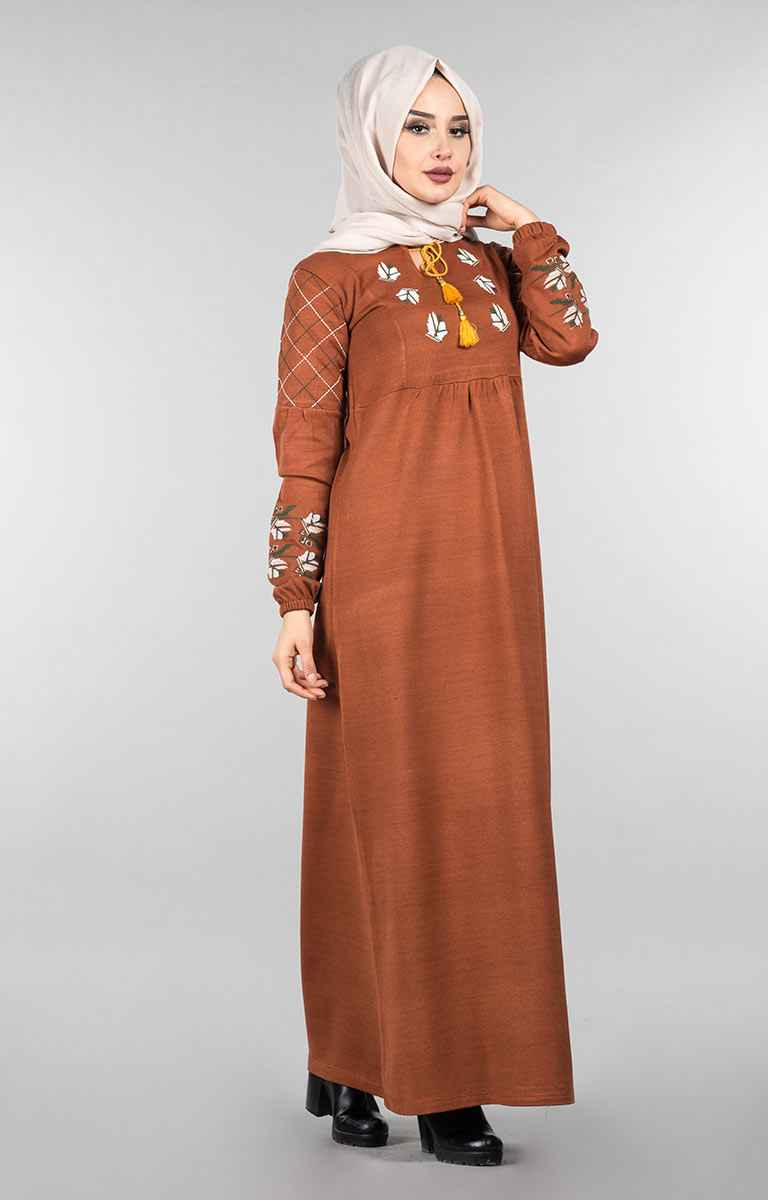Modern Tesettür Nakışlı Elbise Modelleri