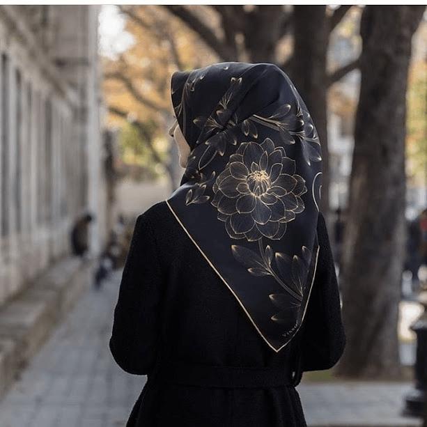 Siyah Vissona İpek Eşarp Modelleri