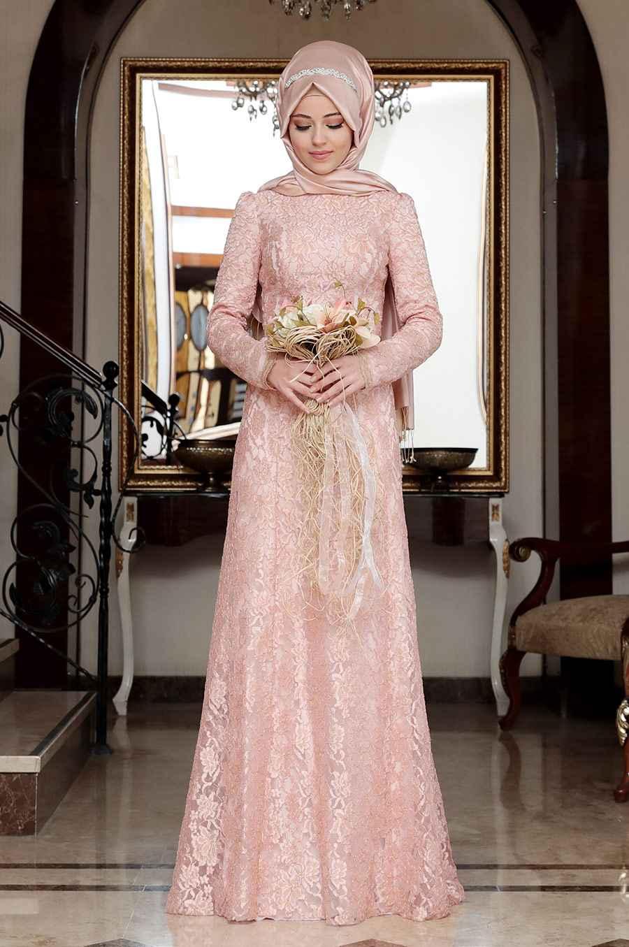 En Güzel ve Şık Tesettür Güpürlü Elbise Modelleri