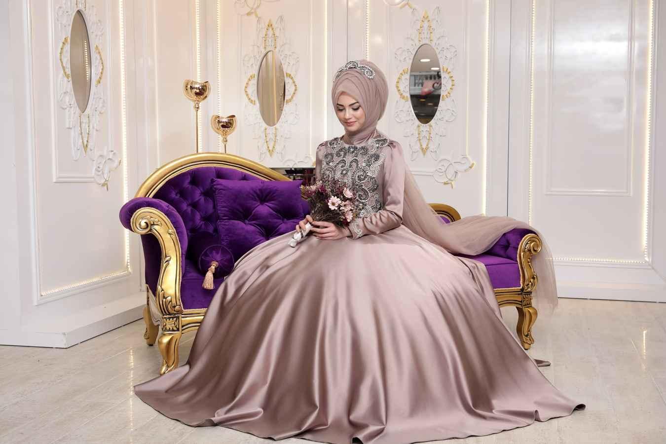 Pınar Şems Saten Sahra Tesettür Abiye Modelleri