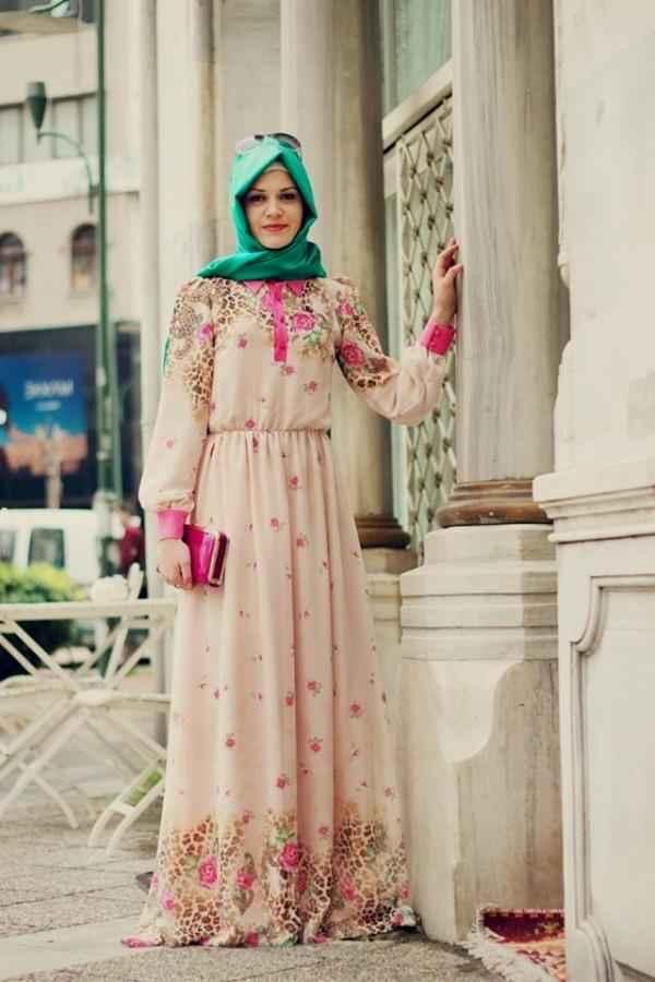 ff4770bf4c97f Çiçekli Yazlık Tesettür Elbise Modelleri - Moda Tesettür Giyim