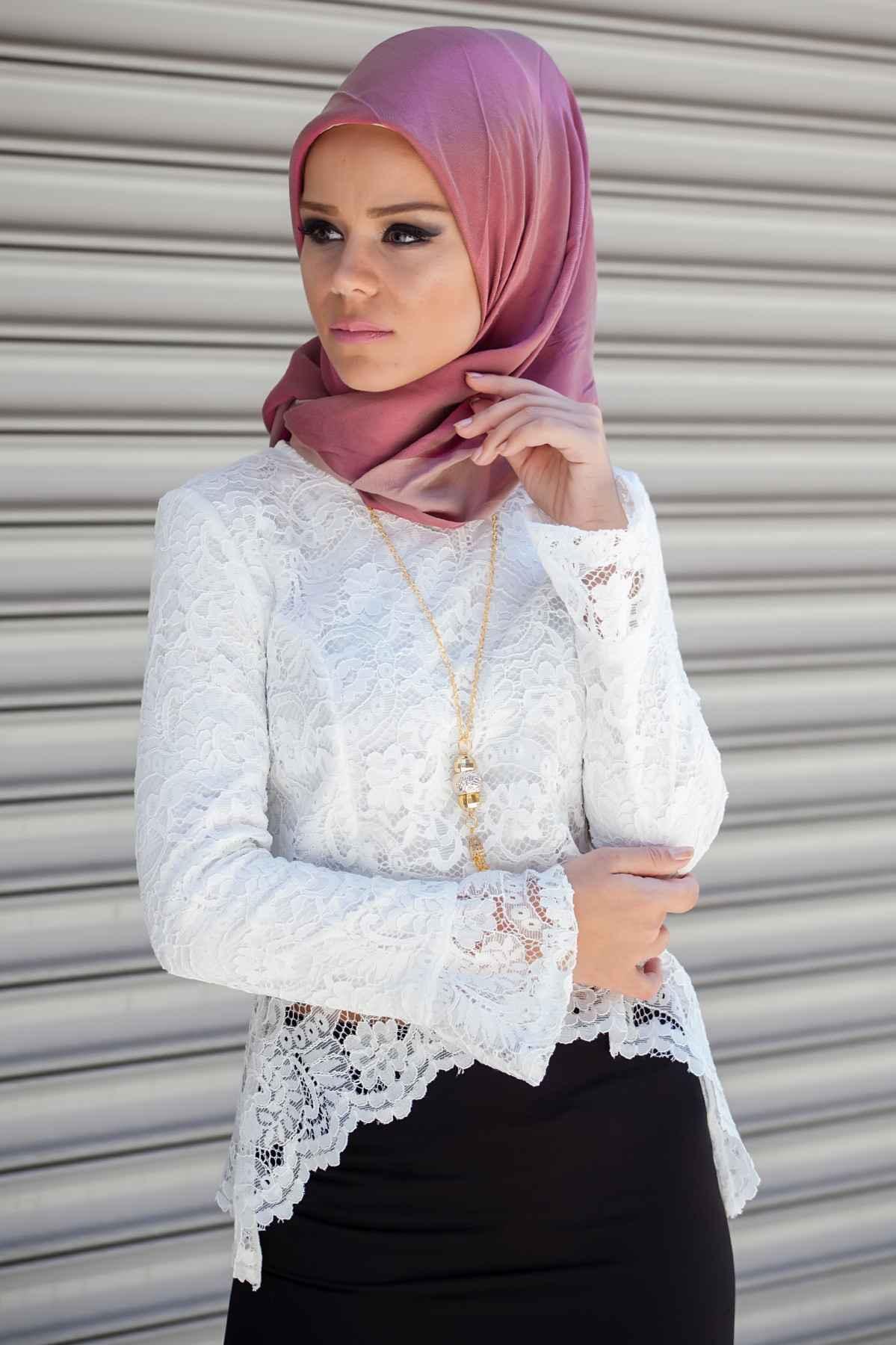 Beyaz Tesettür Dantelli Gömlek Modelleri
