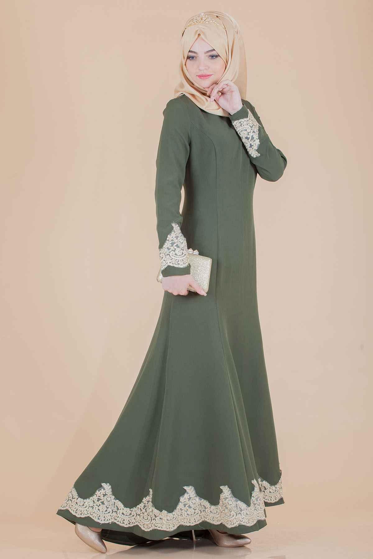 Ucu Dantelli Tesettür Kuyruklu Elbise Modelleri
