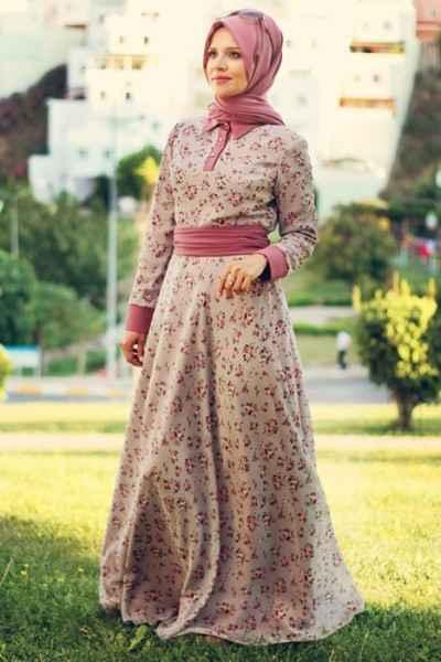 Çiçekli Tesettür Şifon Elbise ModelleriÇiçekli Tesettür Şifon Elbise Modelleri