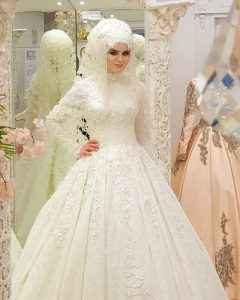 Şık ve Güzel Tesettür Prenses Gelinlik Modelleri