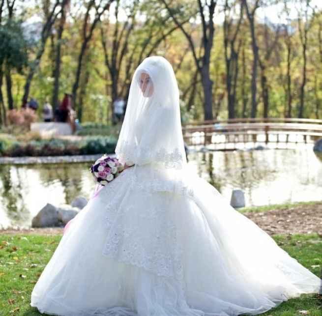 Şık ve Modern Tesettür Prenses Gelinlik Modelleri