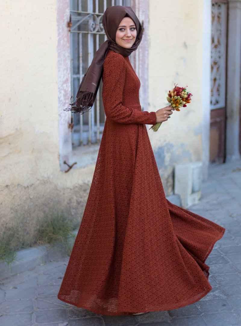 En Güzel Tesettür Dantelli Elbise Modelleri