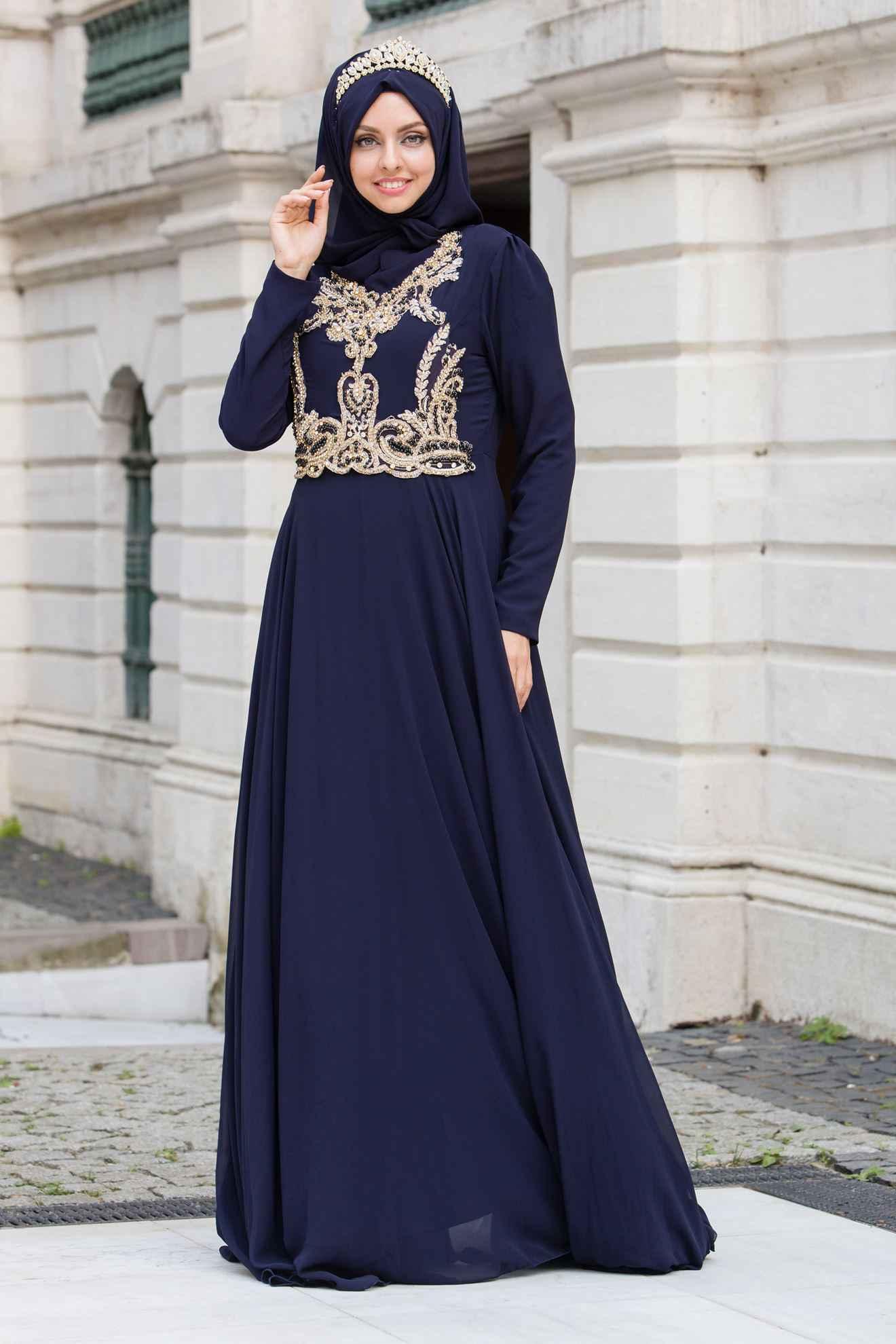 Sedanur Taş Aksesuarlı Tesettür Abiye Elbise Modelleri