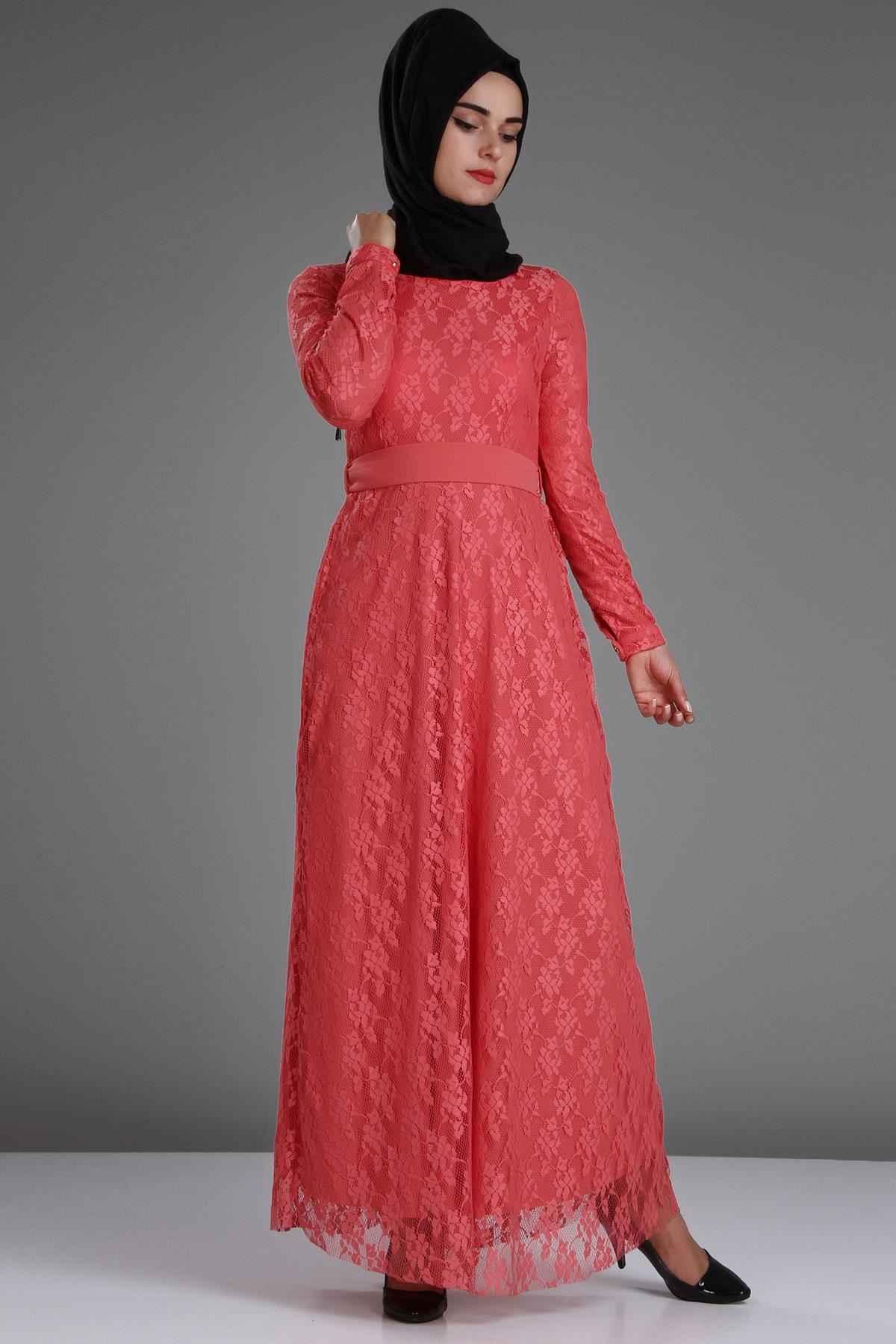 c4b4322e4caaf Patırtı Dantelli Tesettür Abiye Modelleri - Moda Tesettür Giyim