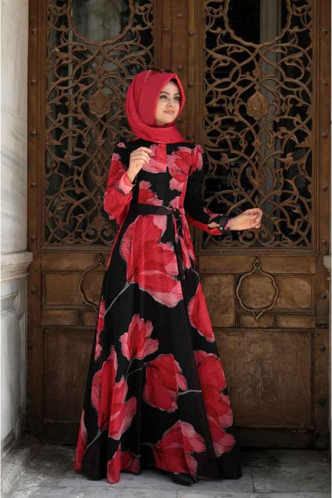 Pınar Şems Çiçekli Tesettür Elbise Modelleri