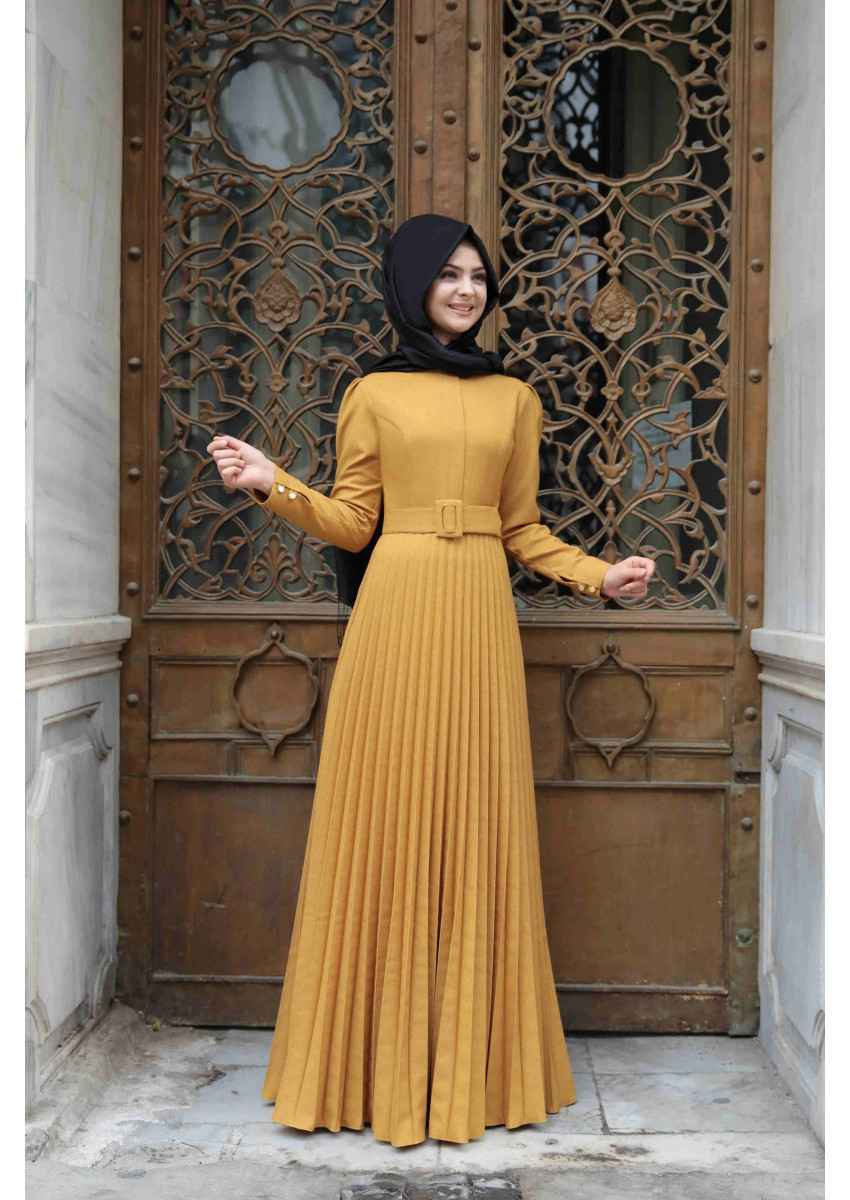 Pınar Şems Hardal Rengi Piliseli Tesettür Elbise Modelleri