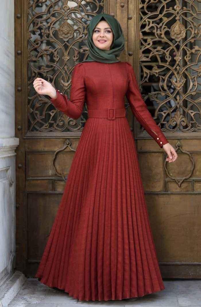 Pınar Şems Pileli Tesettür Elbise Modelleri