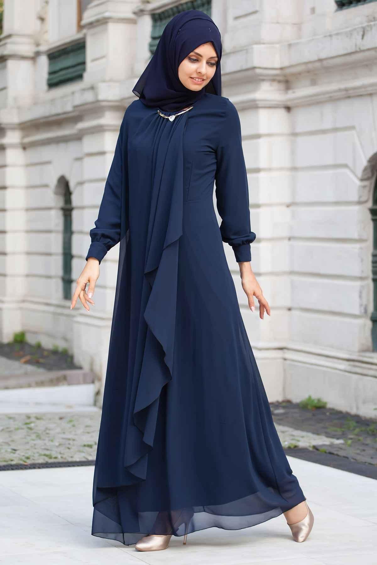 Sedanur Şal Kombinli Tesettür Dökümlü Abiye Elbise ModelleriSedanur Şal Kombinli Tesettür Dökümlü Abiye Elbise Modelleri