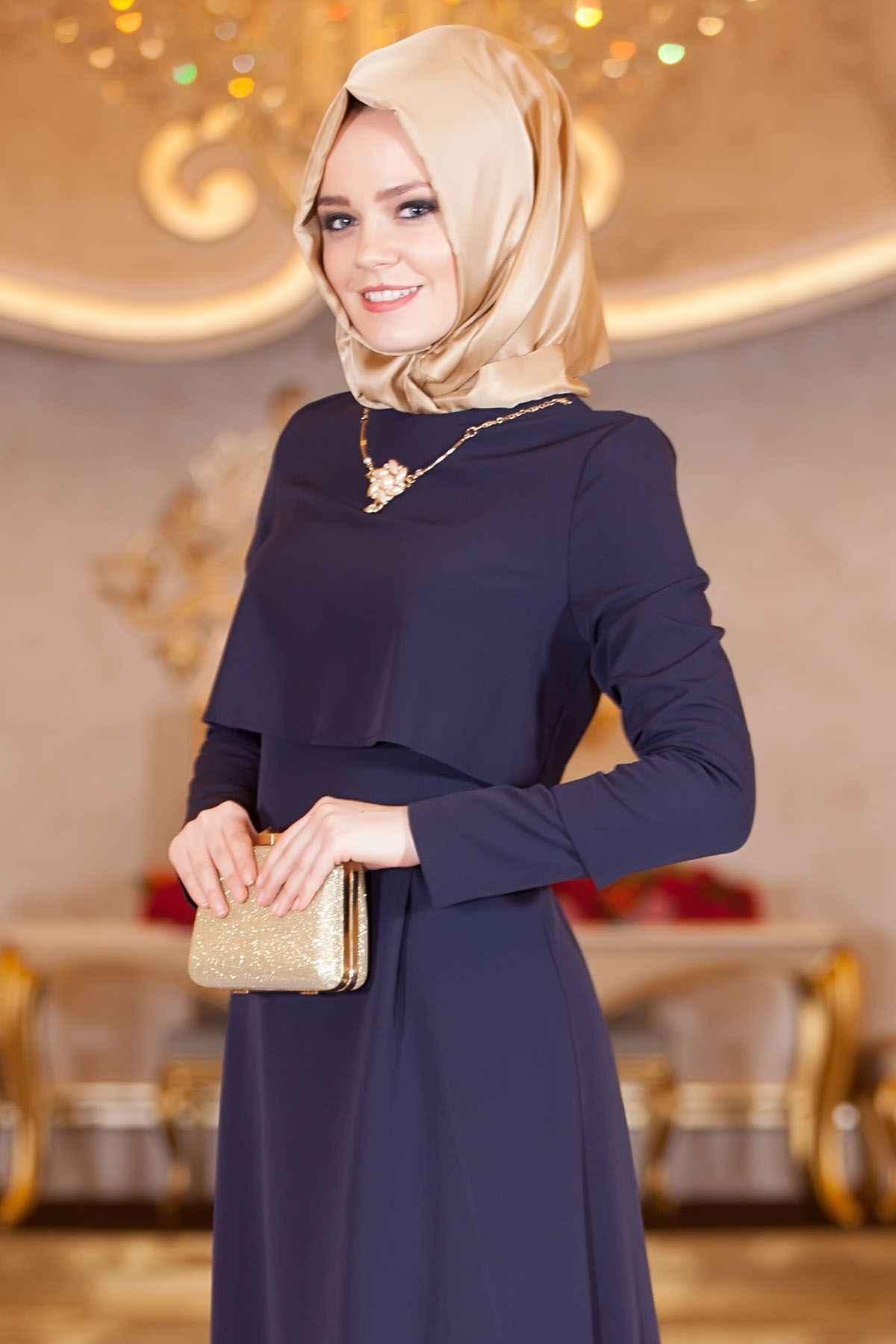 Kolyeli Tesettür Elbise Modelleri