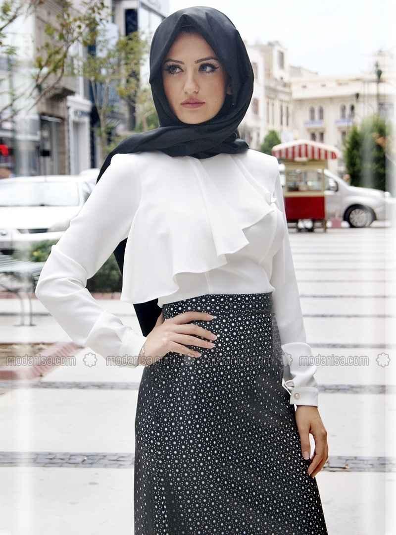 Nurbanu Kural En Güzel Tesettür Bluz Modelleri