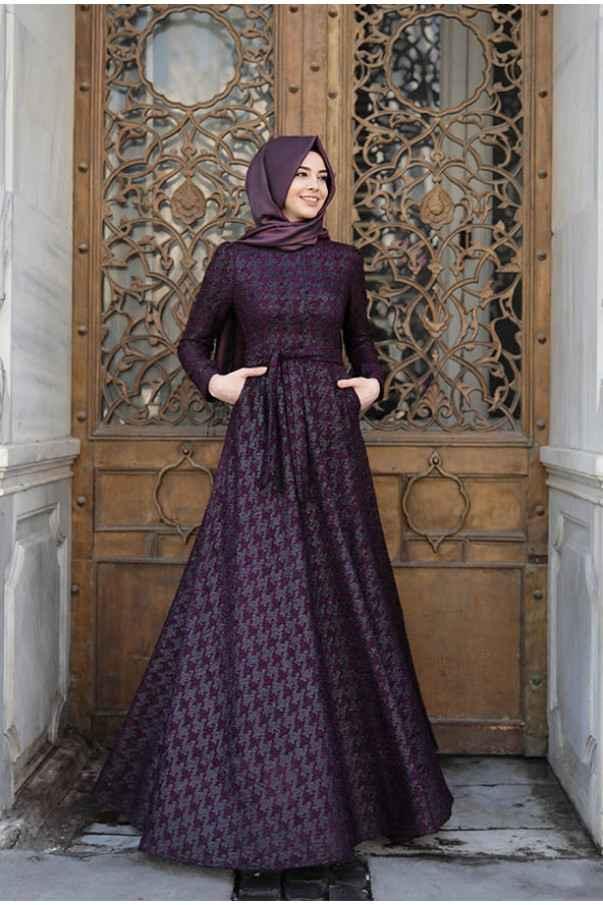 Pınar Şems En Güzel Tesettür Kazayağı Desenli Elbise Modelleri