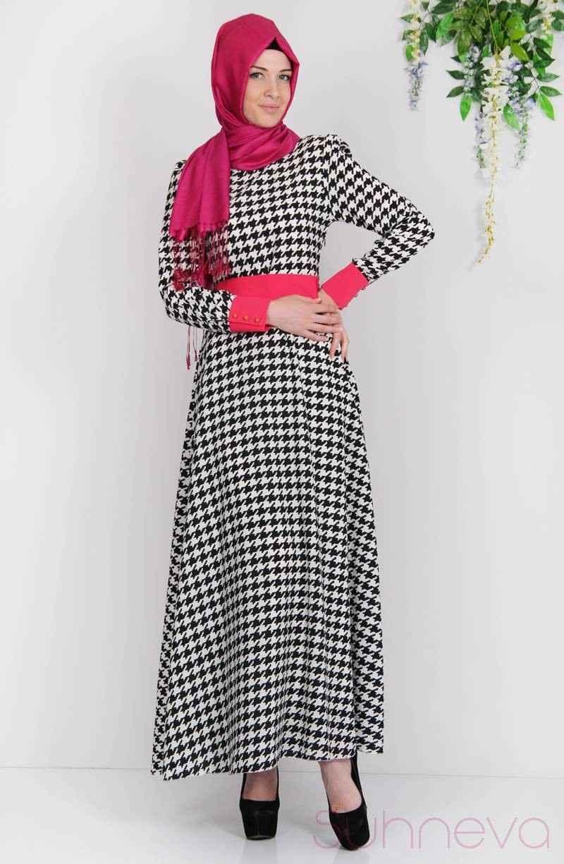 Suhneva Tesettür Kazayağı Desenli Elbise Modelleri