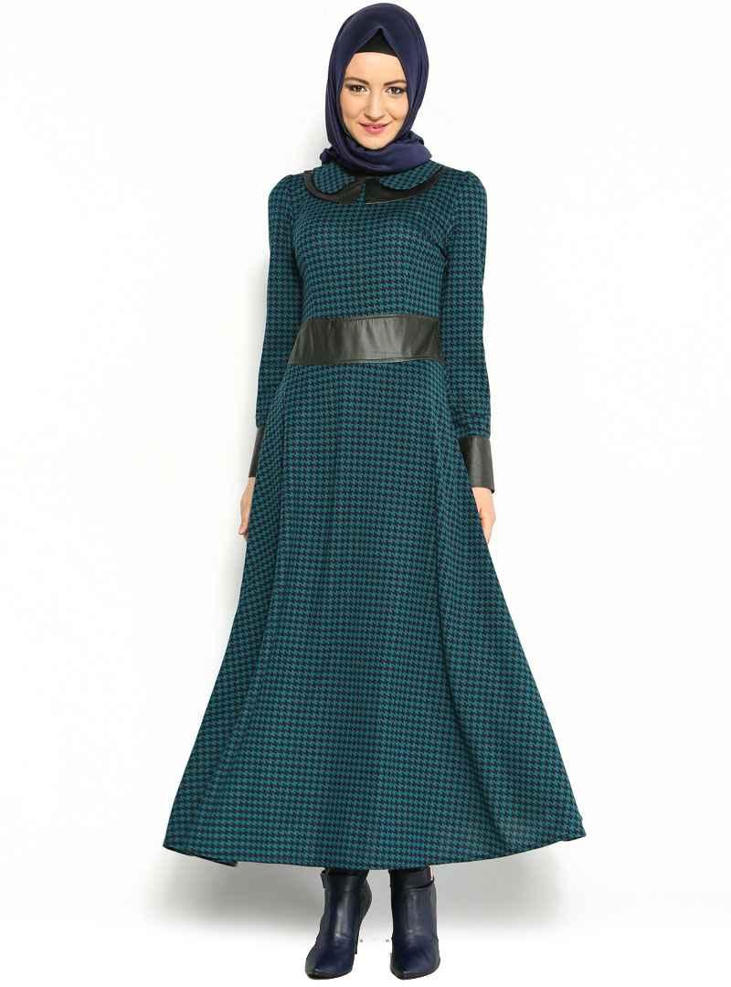 Tesettür Kazayağı Desenli Elbise Modelleri