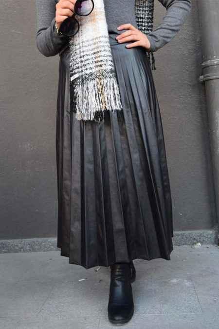 En Özel ve Şık Tesettür Deri Kıyafet Kombinleri