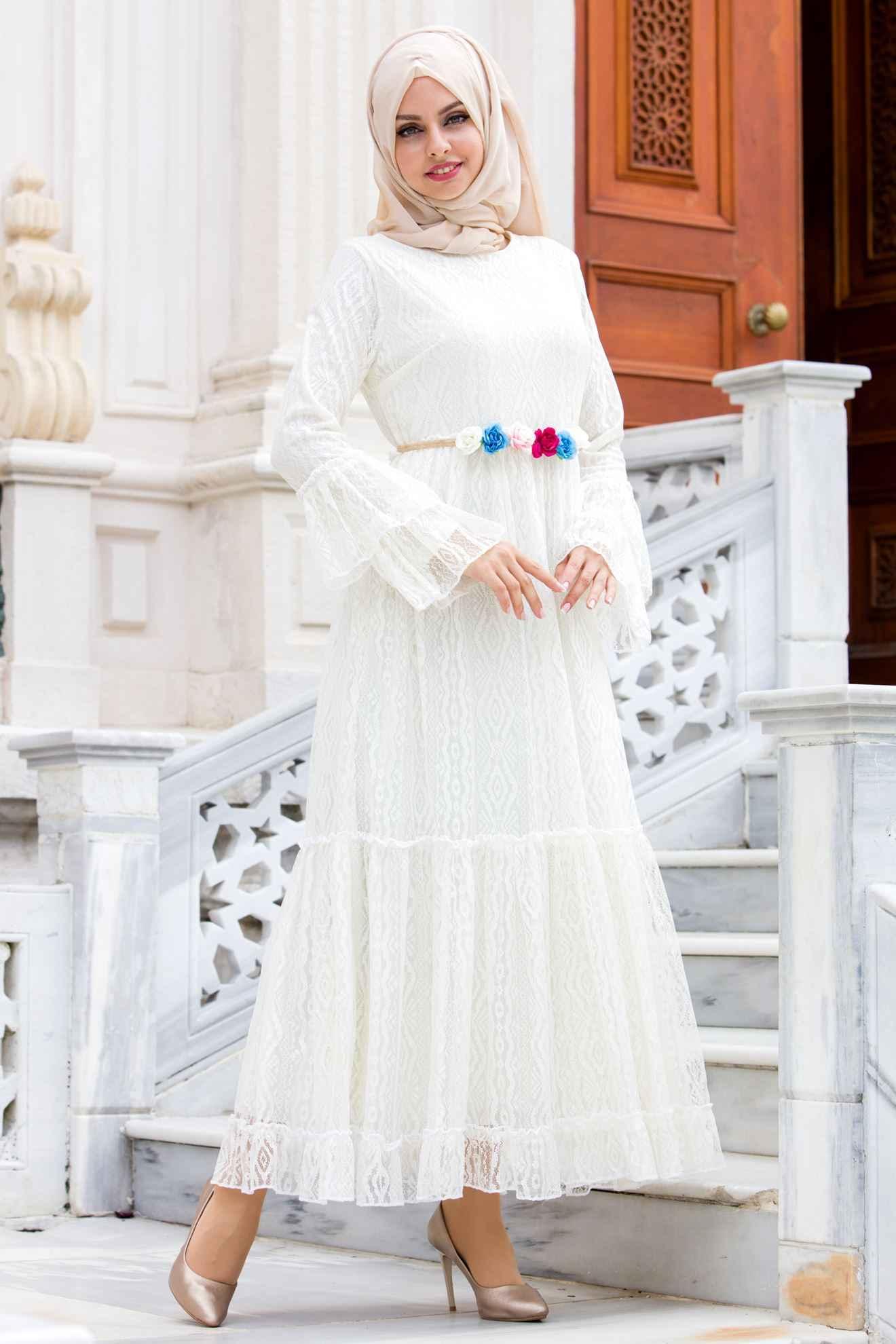 Sedanur Çiçek Detaylı Dantelli Tesettür Elbise Modelleri