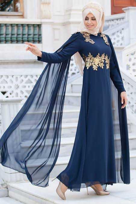 Sedanur Varaklı Pelerinli Tesettür Abiye Elbise Modelleri