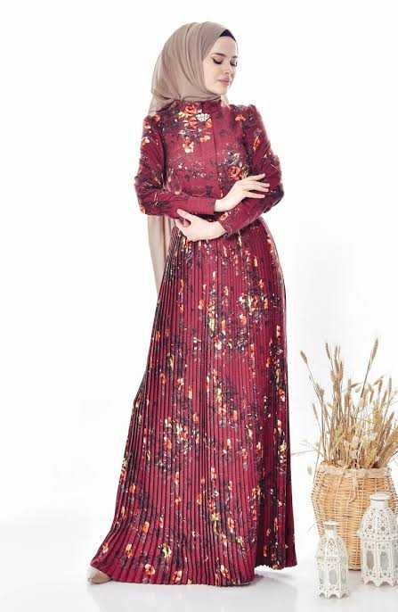 Sefamerve Broşlu Piliseli Tesettür Elbise Modelleri