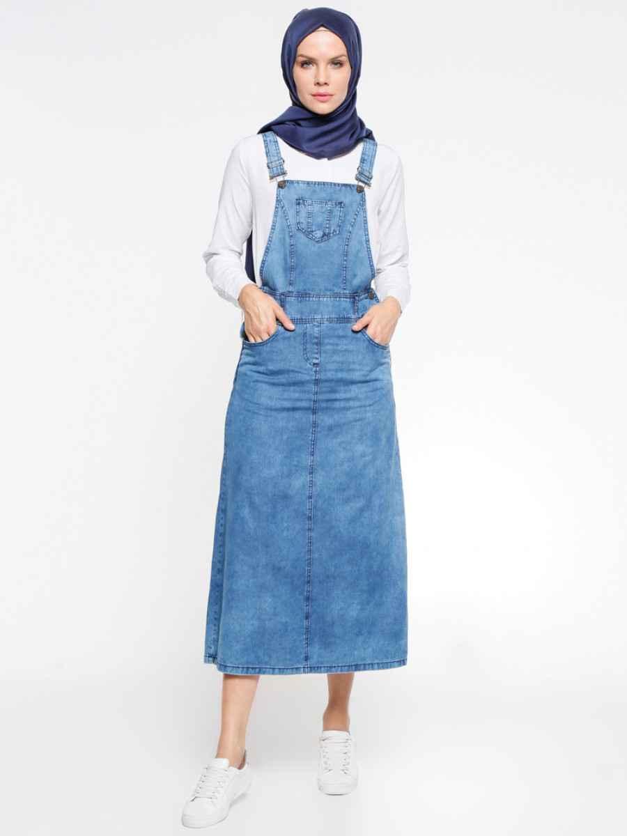 En Güzel Tesettür Askılı Kot Elbise Modelleri