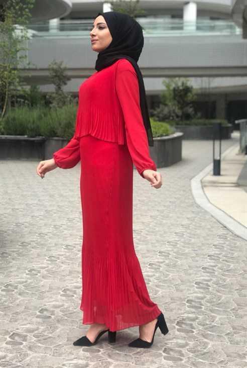 Eylül Tesettür Katlı Elbise Modelleri