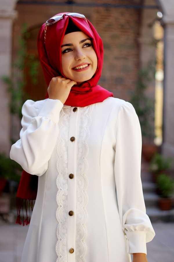 Pınar Şems Dantelli Tesettür Tunik Modelleri