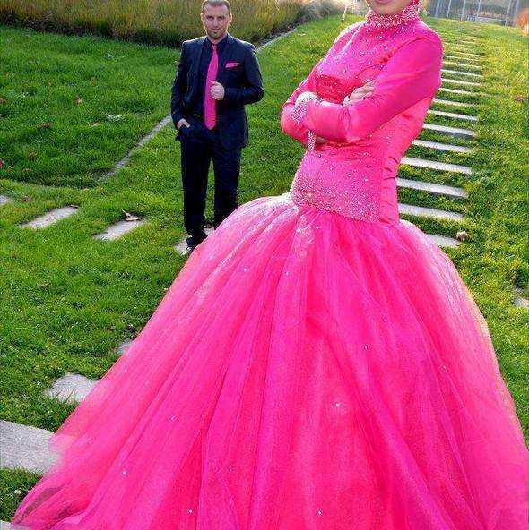 En Özel Tesettür Prenses Nişanlık Modelleri