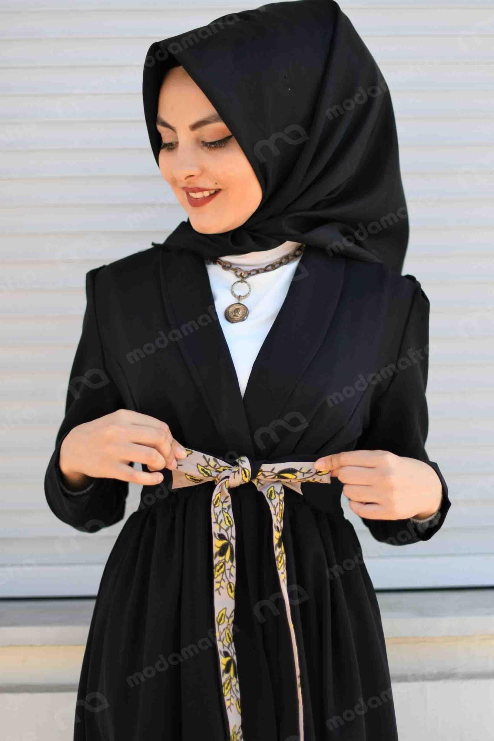 Modam Afra Tesettür Siyah Renk Modası