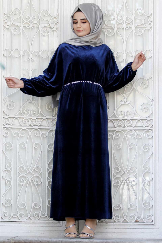 Bahyezen Tesettür Kemerli Kadife Elbise Modelleri