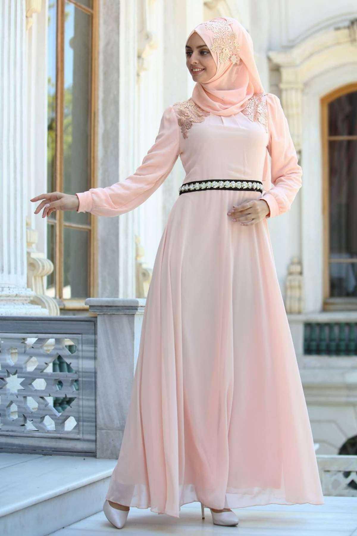 Fly Şal Kombinli Tesettür Açık Renk Abiye Elbise Modelleri