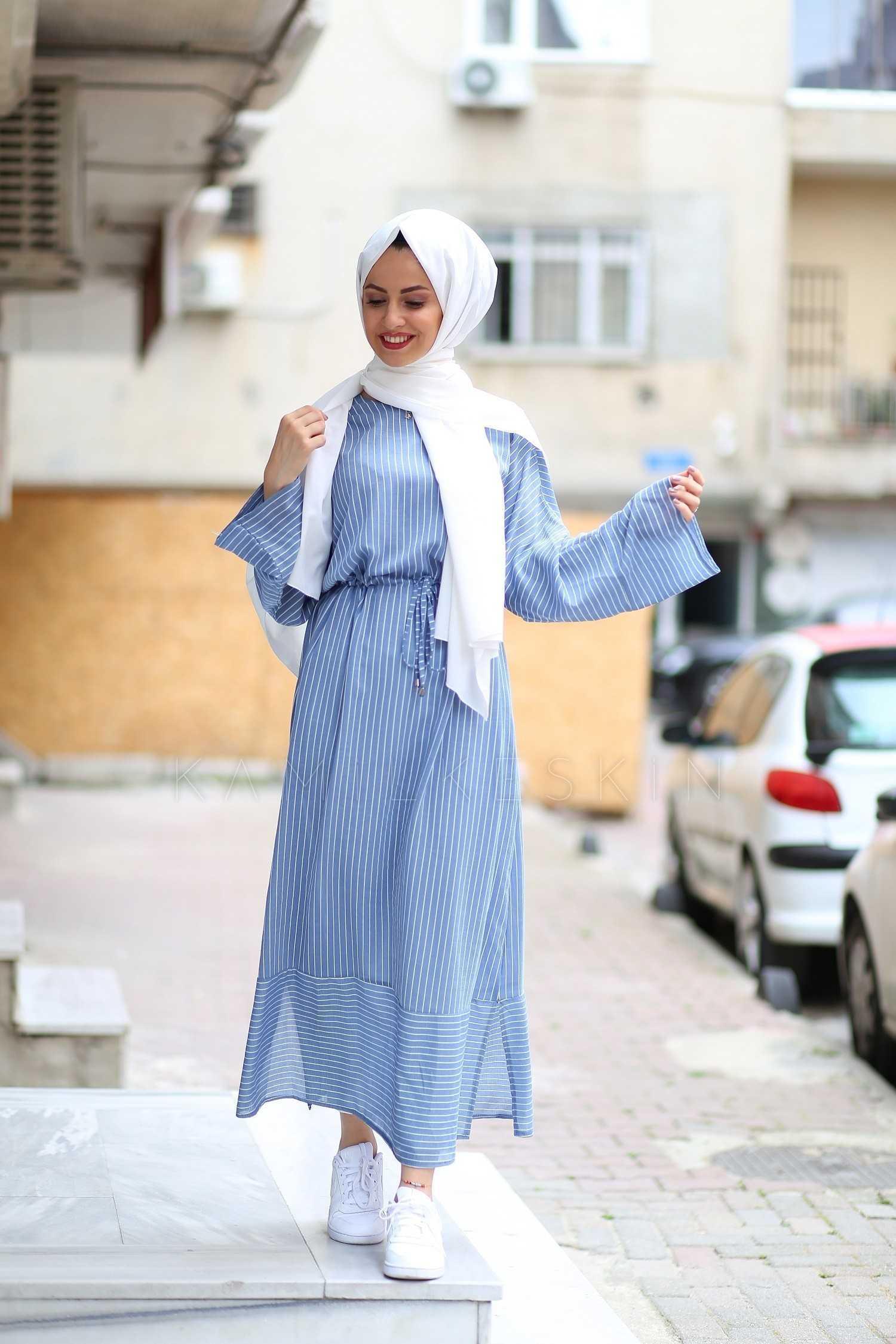 Kamil Keskin Tesettür Mavi Çizgili Elbise Modelleri