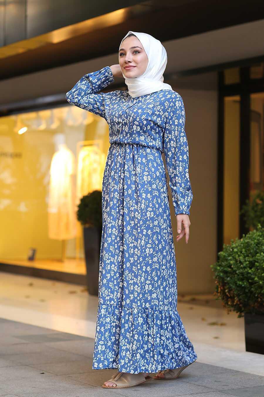 Zarif Tesettür Çiçekli Mavi Elbise Modelleri