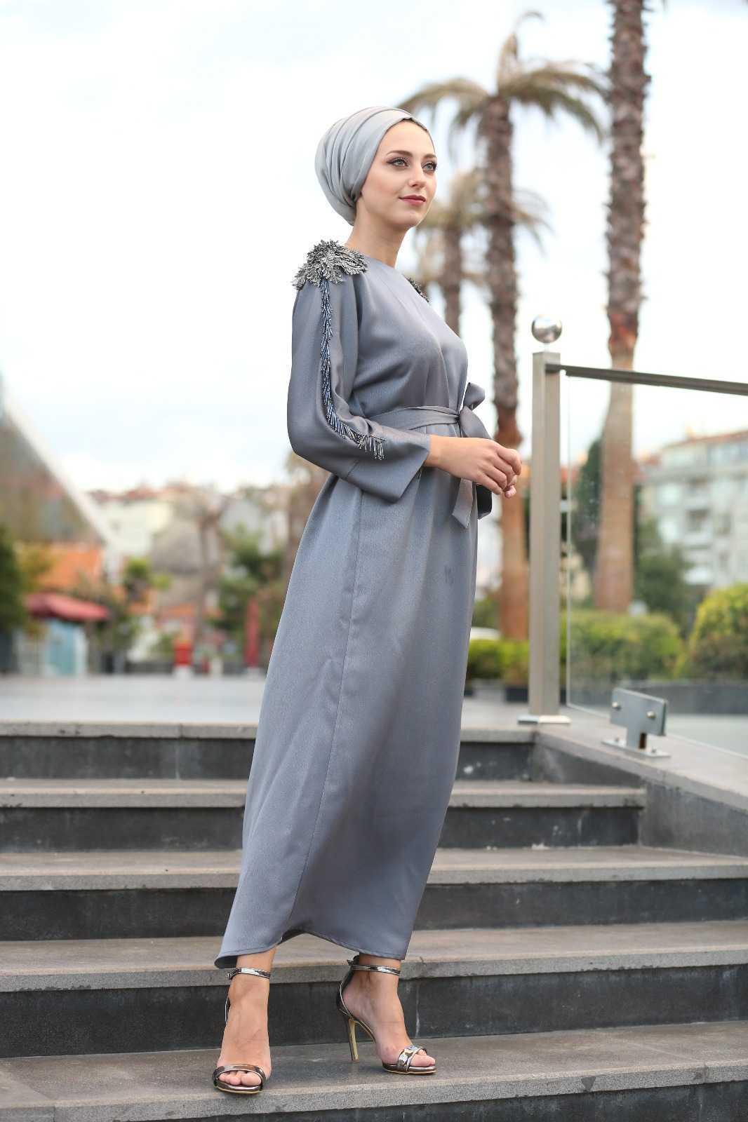 Hilal Atalay Tesettür Apoletli Elbise Modelleri