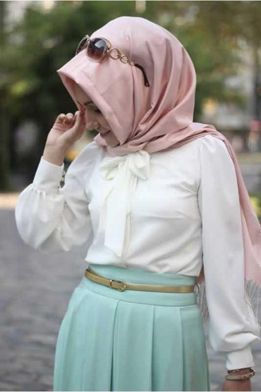 Pınar Şems Tesettür Fularlı Beyaz Gömlek Modelleri