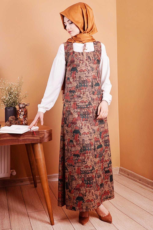 Gamze Özkul Desenli Tesettür Askılı Kadife Elbise Modelleri