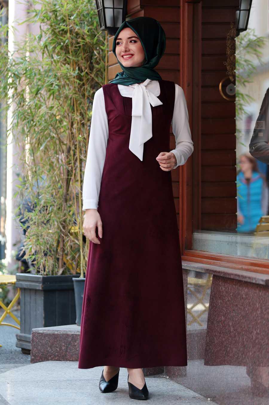 Gamze Özkul Tesettür Askılı Kadife Elbise Modelleri