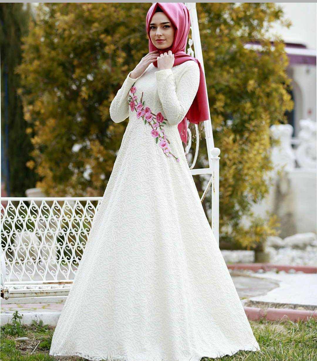 Selins Butikk Tesettür Nakışlı Abiye Elbise Modelleri