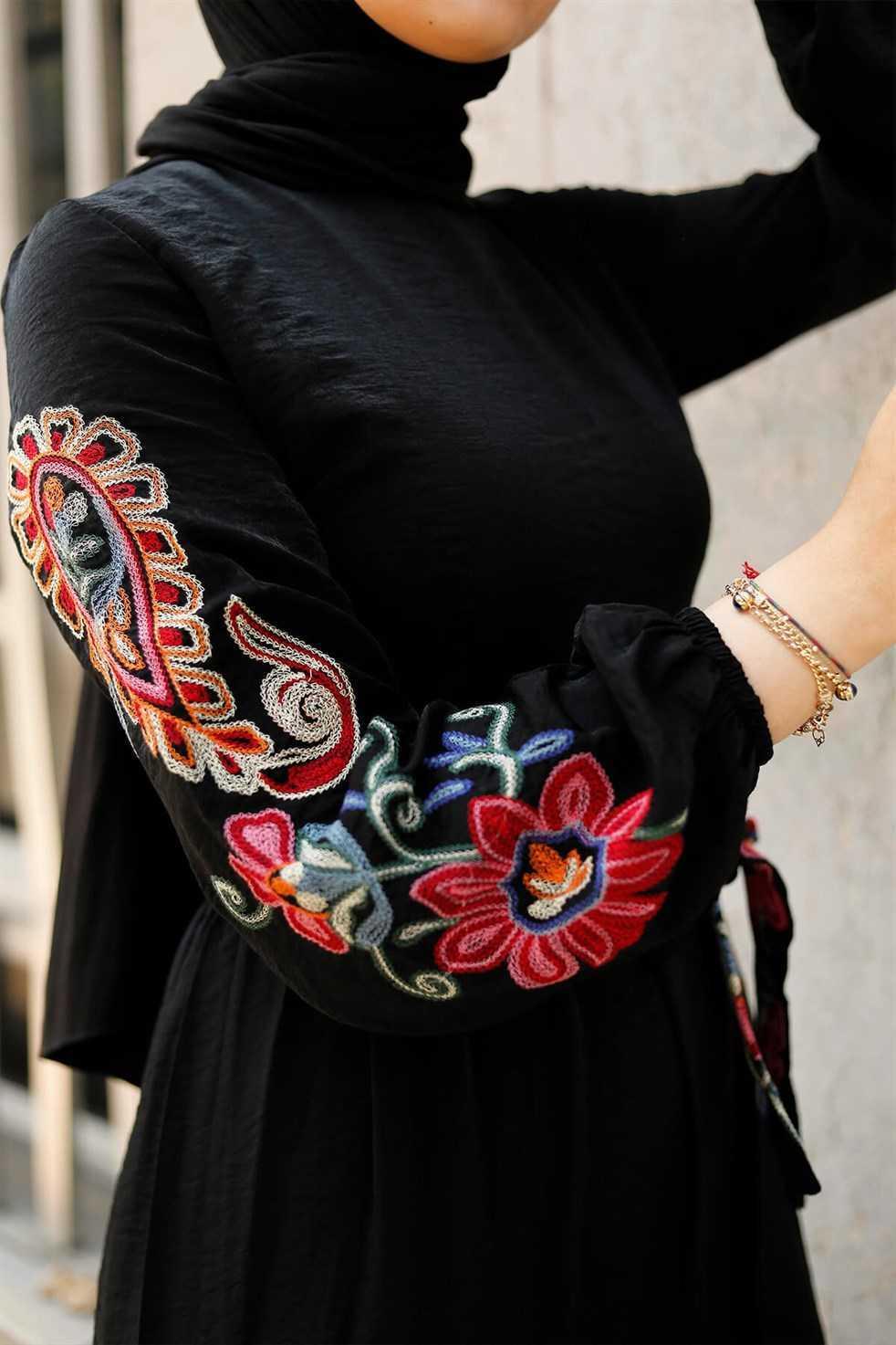Entesettür Nakışlı Tesettür Elbise Modelleri