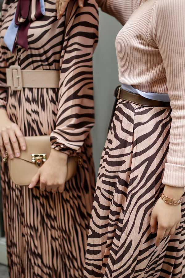 Sonbahar Kış Desenli Şık Tesettür Elbise Modelleri