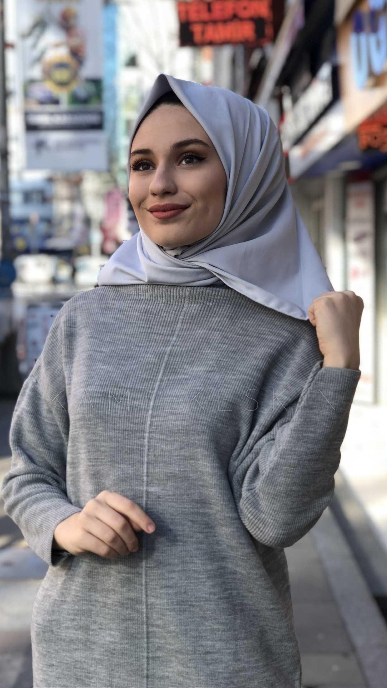 Kamil Keskin Düz Eşarp Modelleri