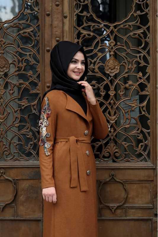 Pınar Şems Tesettür Nakışlı Kap Modelleri