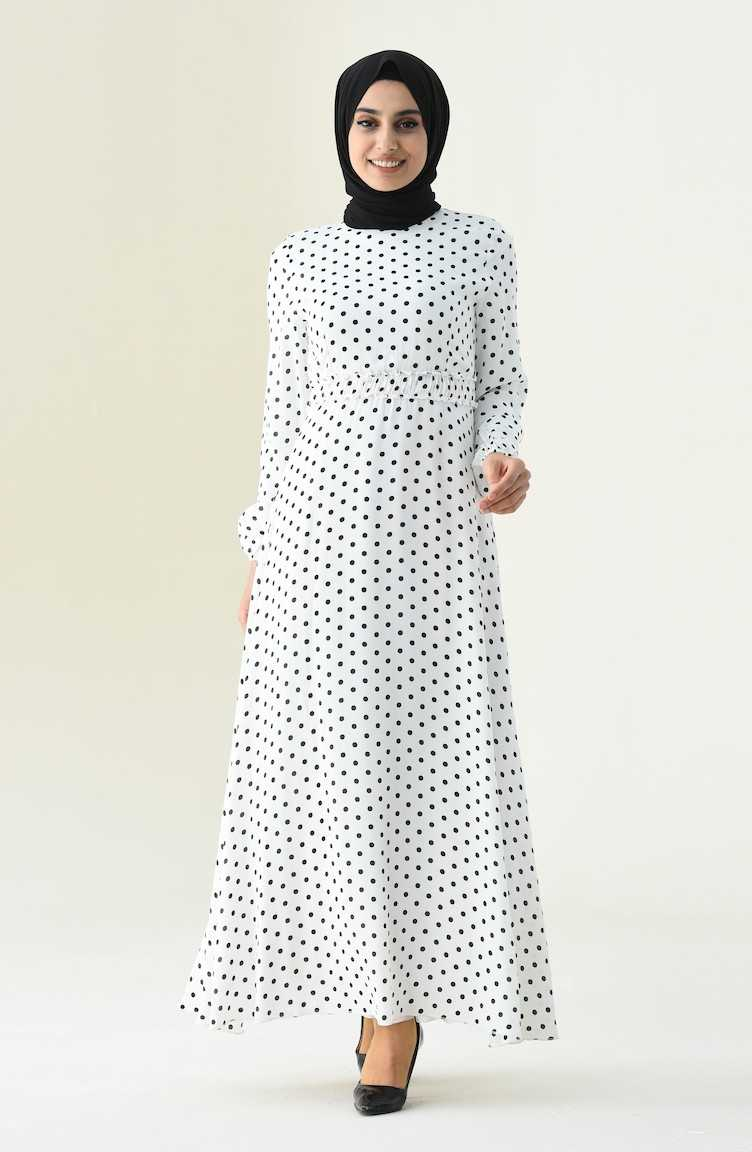 Sefamerve Puantiyeli Tesettür Beyaz Elbise Modelleri