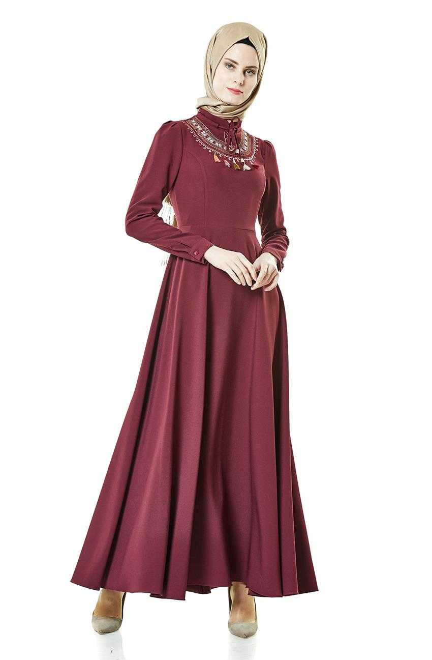 Nassah Tesettür İşlemeli Kloş Elbise Modelleri