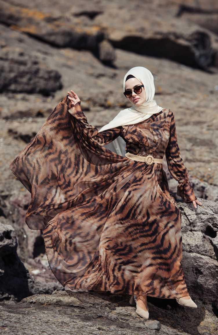 Sefamerve Tesettür Desenli Kemerli Şifon Elbise Modelleri